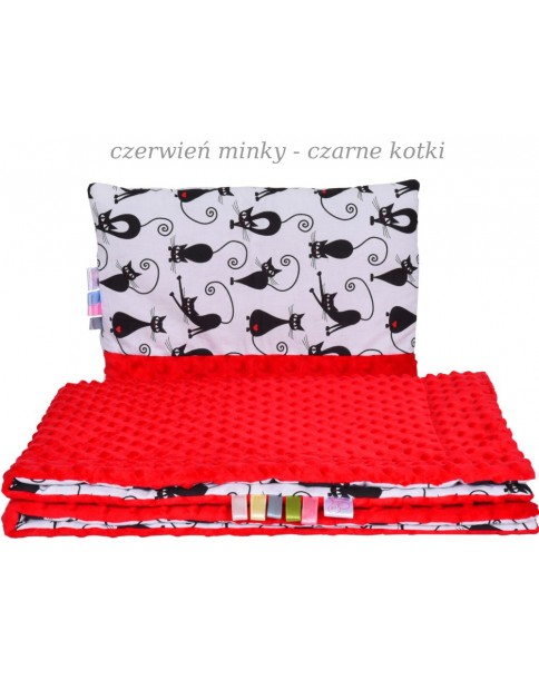 Małe Duże kocyk Minky100x135cm Zima Czerwień Minky Czarne Kotki